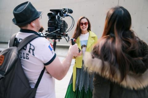 Sella Truong phoi do mau sac, noi bat tai Seoul Fashion Week hinh anh 8