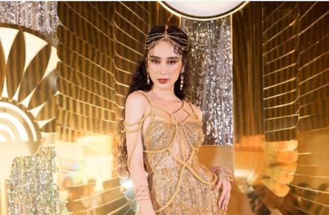 Angela Phuong Trinh, Toc Tien sexy tai buoi tiec Ai Cap hinh anh