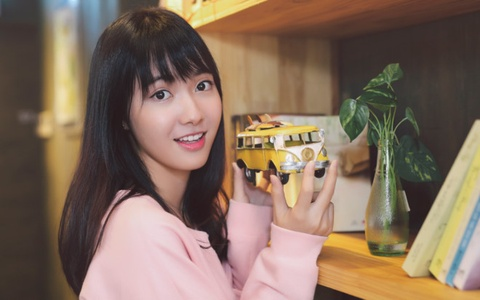 Lou Hoang, Suni Ha Linh, Jang Mi 'chay dua' cho show dien tai Han Quoc hinh anh