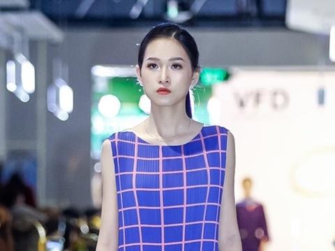 'Liec' fashion show - ban hoa ca cua mau sac va am thanh hinh anh