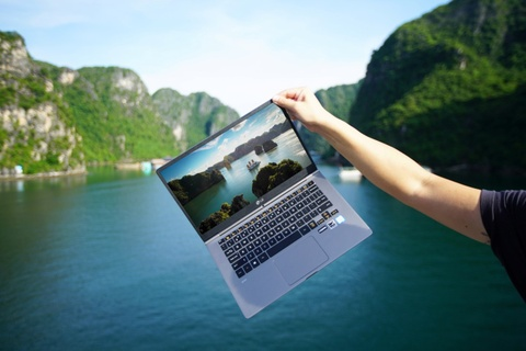 Laptop gon nhe cho nguoi tre me xe dich hinh anh 7