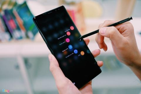 Galaxy Note 8 lam thay doi thi truong di dong cao cap ra sao? hinh anh 9