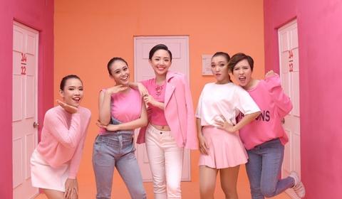 Toc Tien hoa co nang keo ngot trong MV moi hinh anh