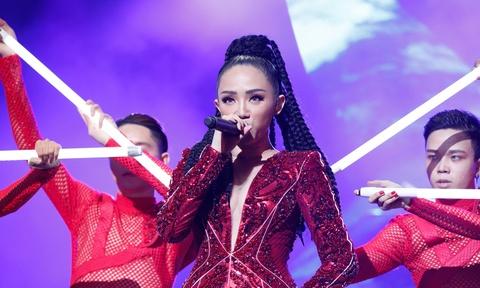 Toc Tien va nhung an tuong trong nam 2017 hinh anh 4