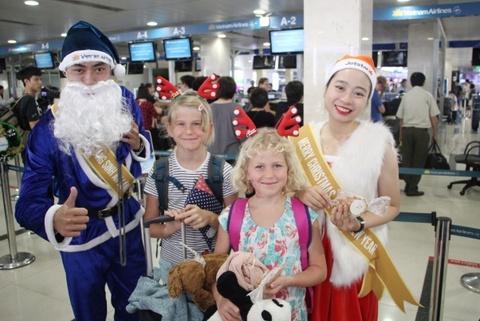 Vietnam Airlines, Jetstar Pacific don Giang sinh tai cac san bay hinh anh