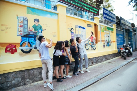 Ha Noi va Sai Gon khac la trong du an 'Viet Nam sau tay lai' hinh anh 17