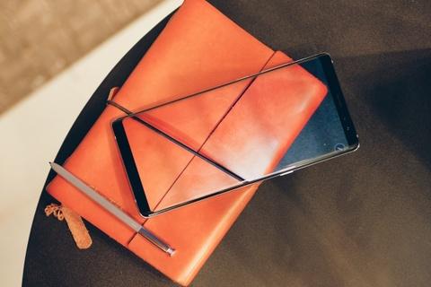 Galaxy Note 8 tim khoi: Dep nhu phu kien thoi trang hinh anh 7