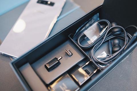 Galaxy Note 8 tim khoi: Dep nhu phu kien thoi trang hinh anh 11