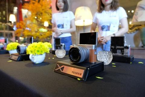 Fujifilm ra mat may anh X-A5 trang bi he thong zoom dien tu hinh anh
