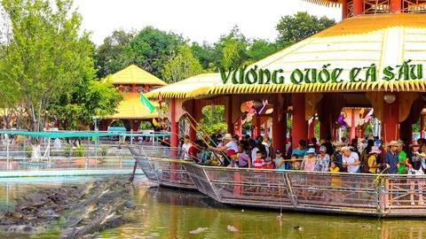 Ve Suoi Tien du le Gio quoc to Hung Vuong va dai le 30/4 - 1/5 hinh anh 6
