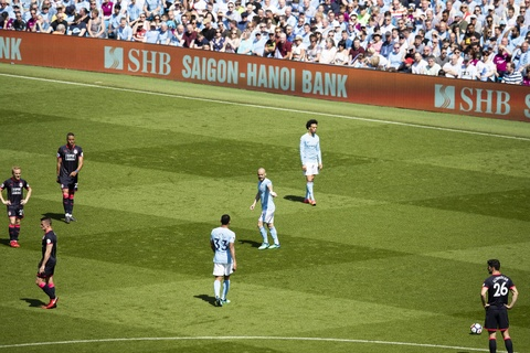 SHB chuc mung Manchester City tro thanh 'tan vuong' Ngoai hang Anh hinh anh