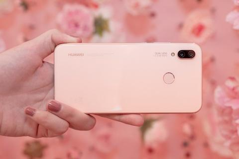 Can canh Huawei Nova 3e phien ban mau hong hinh anh 2
