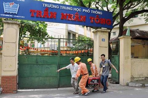 EVN Hanoi dam bao dien phuc vu mua thi hinh anh