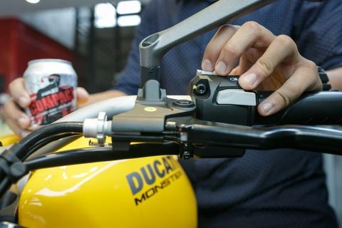 Nuoc tang luc Compact dong hanh voi sieu xe Ducati Monster moi hinh anh 4