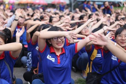 Hon 20.000 sinh vien tham gia 'Tiep suc mua thi 2018' hinh anh