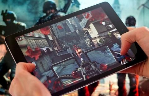 Di Dong Viet tung combo iPhone 7 Plus, iPad Air bang gia iPhone 8 Plus hinh anh