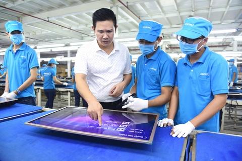 CEO Pham Van Tam: 'Chung toi IPO de xuat khau sang chau A' hinh anh 1