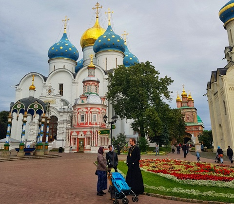 Moscow qua ong kinh Galaxy S9 khau do kep cua Hoang Le Giang hinh anh 12