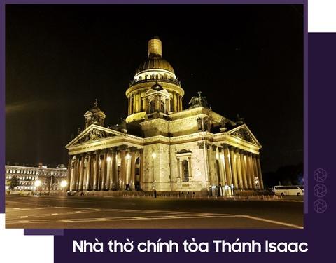 Moscow qua ong kinh Galaxy S9 khau do kep cua Hoang Le Giang hinh anh 10