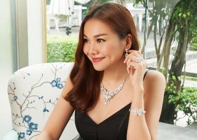 Thanh Hang: 'Hop dong quang cao giup nang vi the cua toi trong nganh' hinh anh