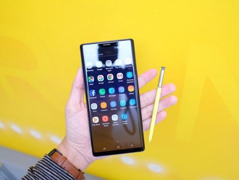 Bao quoc te noi gi ve Galaxy Note9? hinh anh