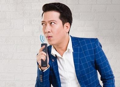 Tinh nang voice search tren smart TV go kho cho nguoi dung cao tuoi hinh anh