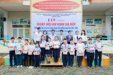 Nhua Long Thanh trao tang 40 suat hoc bong khuyen hoc hinh anh