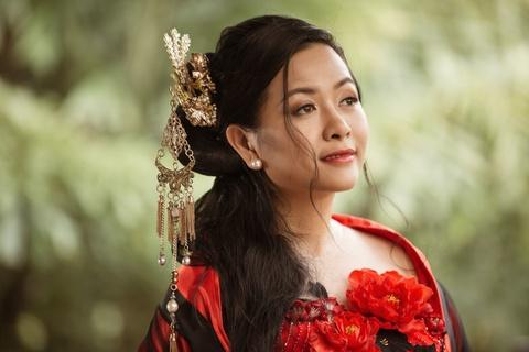 GDSX Tran Uyen Phuong: 'Bua com la soi day gan ket tinh than gia dinh' hinh anh