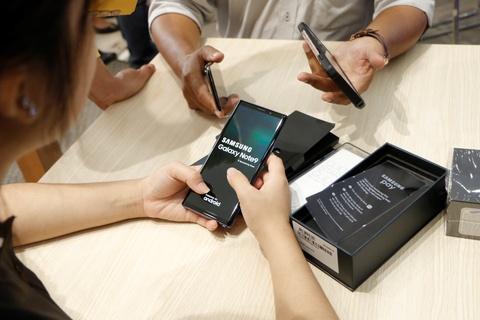 Sam Galaxy Note9 voi gia re hon 5,2 trieu dong tai FPT Shop hinh anh