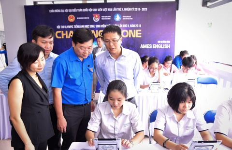Khoi dong hoi thi Olympic tieng Anh hoc sinh, sinh vien toan quoc hinh anh