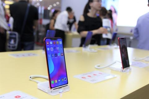 Huawei khai truong cua hang trai nghiem dau tien tai Viet Nam hinh anh 4