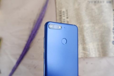 Huawei Y6 Prime: Thiet ke hien dai, hieu nang kha hinh anh 5