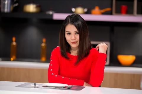 Nam Thu, Anh Tu khoc rong vi anh ban chup 'dim hang' hinh anh