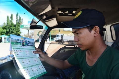 Tai xe Binh Thuan, Long An hao hung thuc hien bai tap suc khoe hinh anh 2
