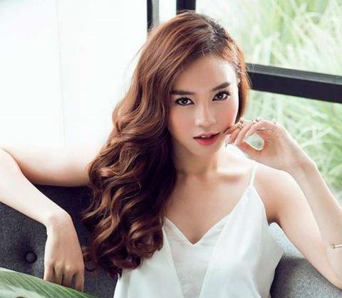Trung Quan, Lan Ngoc khoe chan dai hut mat voi loat hinh 'song ao' hinh anh