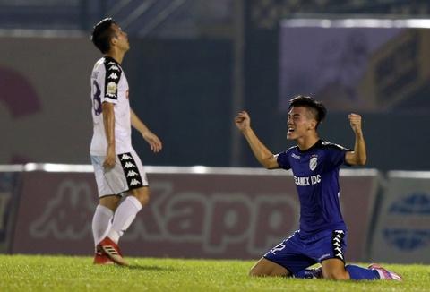 CLB Ha Noi them mot lan tiec nuoi o ban ket Cup Quoc gia Su Tu Trang hinh anh
