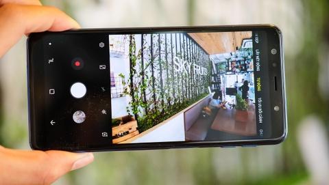 Galaxy A7 trang bi 3 camera AI, gia duoi 8 trieu dong hinh anh 2
