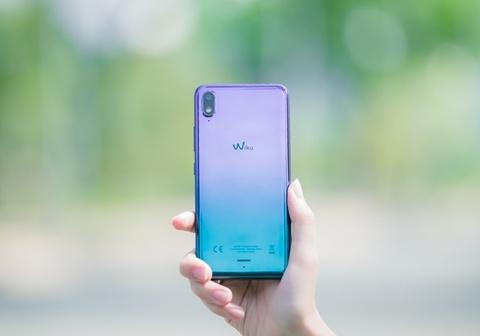 FPT Shop giam 500.000 dong cho 500 khach dau tien mua Wiko View 2 Go hinh anh