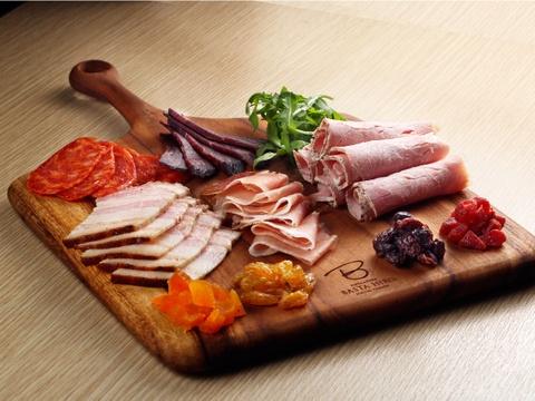 Đùi heo muối phong cách Italy dưới tay nghề đầu bếp Nhật