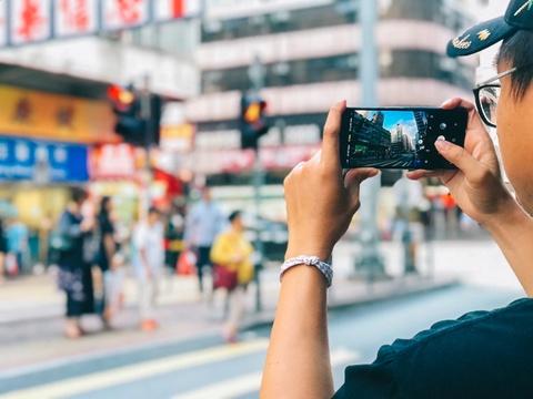 Giới trẻ hào hứng 'đọ' ảnh chụp góc rộng