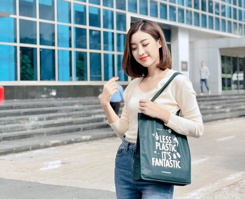 Chien dich doi tui nylon lay eco bag thu hut gioi tre hinh anh