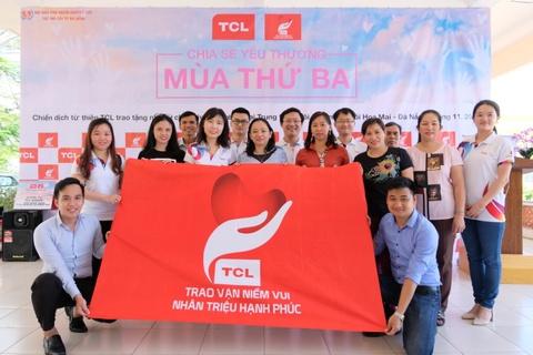 TCL tang TV cho don vi giao duc dac biet nhan dip 20/11 hinh anh
