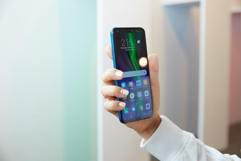 Honor 8X - smartphone tam trung dang chu y dip cuoi nam hinh anh 1