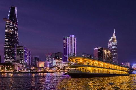 Ngắm thành phố về đêm trên du thuyền Saigon Princess