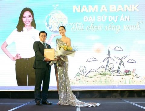 Hoang Thuy tro thanh dai su du an 'Toi chon song xanh' cua Nam A Bank hinh anh