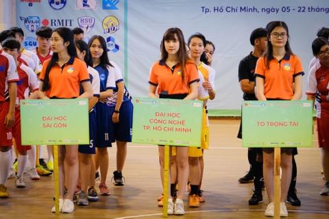 16 truong tranh tai trong giai Futsal Sinh vien Hutech mo rong 2019 hinh anh
