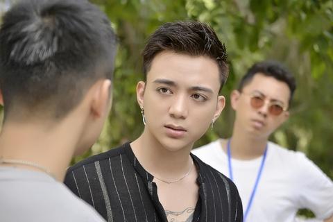 Cuong Seven quay lung voi Soobin Hoang Son trong phim 'Yolo' hinh anh