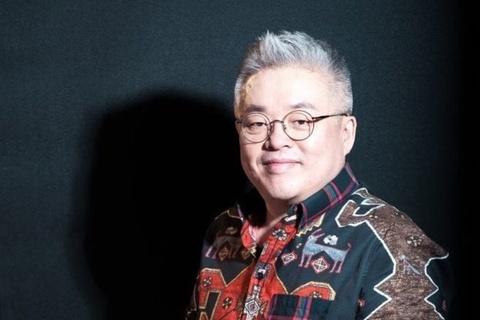 Phu thuy am nhac Han Quoc sang tac hon 1.200 bai hat Kpop hinh anh