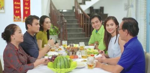 Ý nghĩa bữa cơm gia đình mỗi dịp Tết về