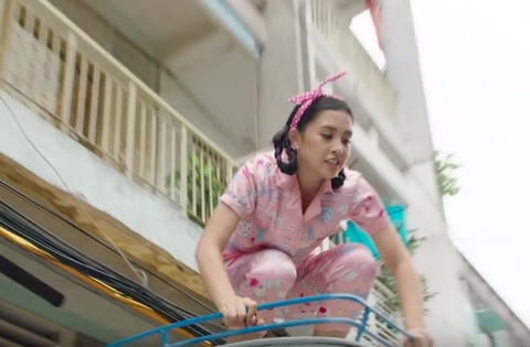 Hoa hau Tieu Vy nhay lau trong MV moi cua Justatee hinh anh